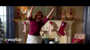 Wayfair TV Spot, 'Way to Holiday: 70 Percent Off' Song by Danii Roundtree - Thumbnail 7