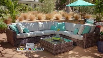 Rooms to Go Patio TV Spot, 'Selection and Style You Want' Featuring Cindy Crawford - Thumbnail 6