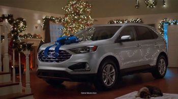 2019 Ford Edge TV Spot, 'Gift Wrapped' Song by Tchaikovsky [T2] - Thumbnail 4