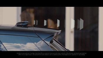 2020 Range Rover Evoque TV Spot, 'ClearSight Rear-View Mirror' [T2] - Thumbnail 5