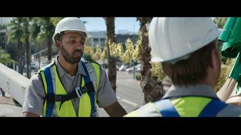 Best Buy TV Spot, 'Holidays: That One Special Gift: Save $300' - Thumbnail 8