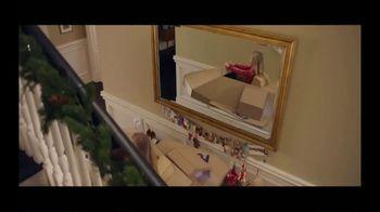 FedEx TV Spot, 'Holidays: Gift Box' - Thumbnail 7