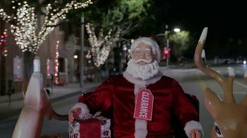 Ford Built for the Holidays Sales Event TV Spot, 'Bringing the Big Man Home' [T2] - Thumbnail 3
