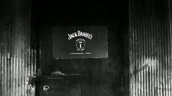 Jack Daniel's TV Spot, 'Más suave' canción de Link Wray [Spanish] - Thumbnail 3