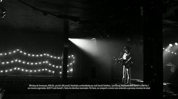 Jack Daniel's TV Spot, 'Más suave' canción de Link Wray [Spanish] - Thumbnail 6
