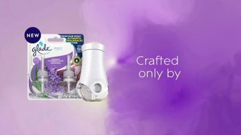 Glade PlugIns Scented Oil TV Spot, 'Tranquil Lavender & Aloe' - Thumbnail 8