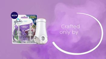 Glade PlugIns Scented Oil TV Spot, 'Tranquil Lavender & Aloe' - Thumbnail 9