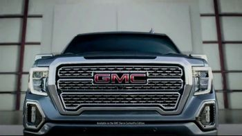 GMC Sierra CarbonPro Edition TV Spot, 'Built For What Life Throws at You' Song by James Brown [T1] - Thumbnail 10
