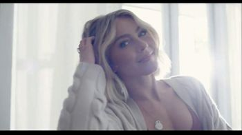 Rooms to Go TV Spot, 'Get Creative and Comfortable' Featuring Julianne Hough - Thumbnail 9