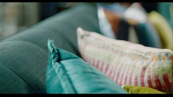 Rooms to Go TV Spot, 'Get Creative and Comfortable' Featuring Julianne Hough - Thumbnail 3