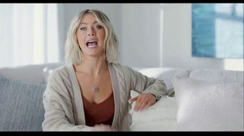 Rooms to Go TV Spot, 'Get Creative and Comfortable' Featuring Julianne Hough - Thumbnail 8