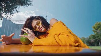 Garnier Fructis Treats TV Spot, 'Nourish Hungry Hair' Song by Bruno Mars - Thumbnail 1