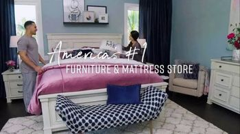 Ashley HomeStore Big Sleep Sale TV Spot, 'King for the Price of a Twin' Song by Midnight Riot - Thumbnail 8
