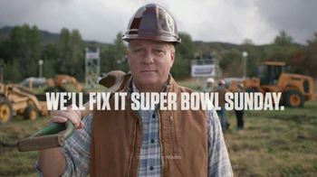 Snickers Super Bowl 2020 Teaser TV Spot, '#SnickersFixTheWorld: Living at Home' - Thumbnail 7