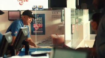 Domino's $5.99 Large 2-Topping TV Spot, 'Pepperoni Guy' [Spanish] - Thumbnail 2