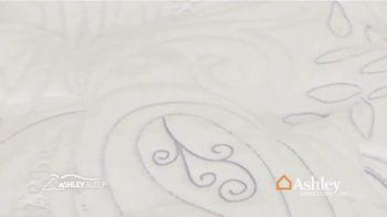Ashley HomeStore New Year's Mattress Sale TV Spot, 'Any Size' Song by Midnight Riot - Thumbnail 4