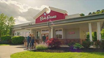 Bob Evans Dinner Bell Plates TV Spot, 'Dinner on the Farm' - Thumbnail 10