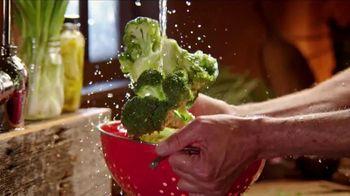 Bob Evans Dinner Bell Plates TV Spot, 'Dinner on the Farm' - Thumbnail 4