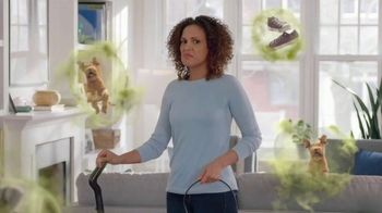 Febreze Refresher TV Spot, 'Trapped Odors: Fabric Forest'