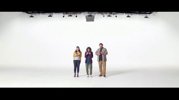 Verizon TV Spot. 'Diferentes: compra uno, llévate otro gratis' [Spanish]
