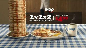 IHOP 2x2x2 Combo TV Spot, 'Baile de dos pasos' [Spanish] - Thumbnail 7