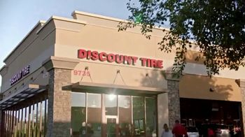 Discount Tire TV Spot, 'Bob' - Thumbnail 6