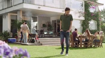 Silka TV Spot, 'El hombre de los pies' [Spanish]