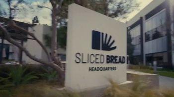 Little Caesars Pizza TV Spot, 'Best Thing Since Sliced Bread' Featuring Rainn Wilson - Thumbnail 3