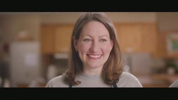 Shelter Insurance TV Spot, 'Soup Kitchen' - Thumbnail 7