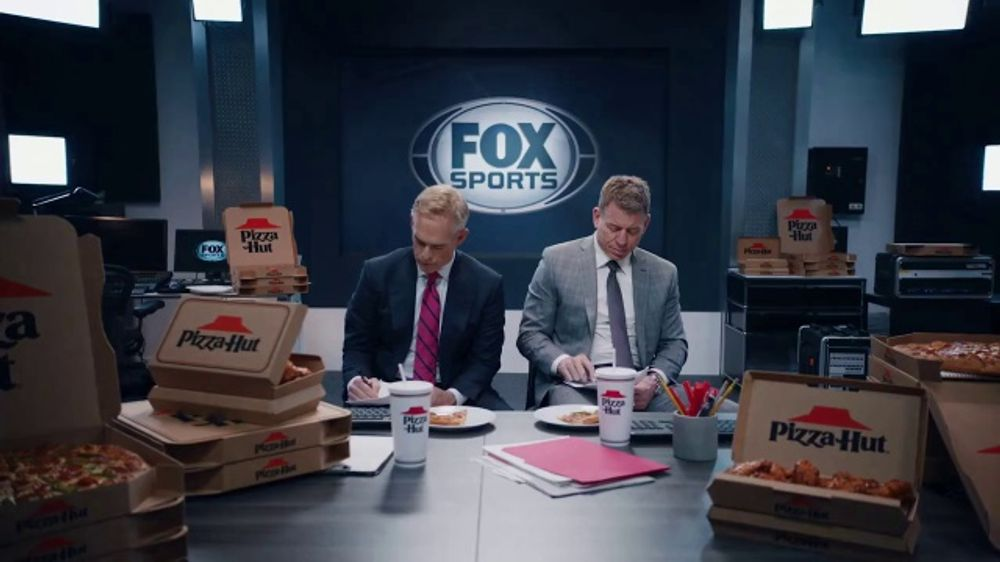 Pizza Hut Super Bowl 2020 TV Commercial, 'Booth Party' Featuring Troy Aikman, Jimmy Johnson,  Roman