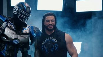 Pizza Hut Super Bowl 2020 TV Spot, 'Booth Party' Featuring Troy Aikman, Jimmy Johnson,  Roman Reigns, Sasha Banks - Thumbnail 6