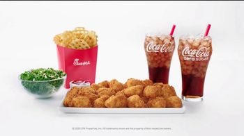Chick-fil-A Nuggets TV Spot, 'The Little Things: Giovanni and Ayesha' - Thumbnail 10