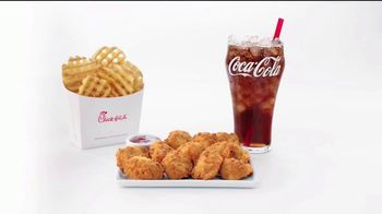 Chick-fil-A Nuggets TV Spot, 'The Little Things: Giovanni and Ayesha' - Thumbnail 5