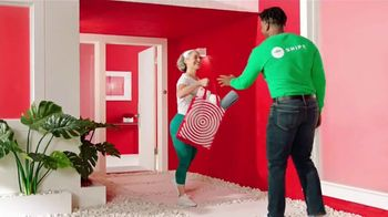 Target Same-Day Delivery TV Spot, 'Más juntitos' canción de Carlos Vives [Spanish] - Thumbnail 5