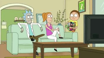 Pringles Super Bowl 2020 TV Spot, 'The Infinite Dimensions of Rick and Morty' - Thumbnail 4