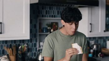 Pop-Tarts TV Spot, 'Fotos del bebé' [Spanish] - Thumbnail 2