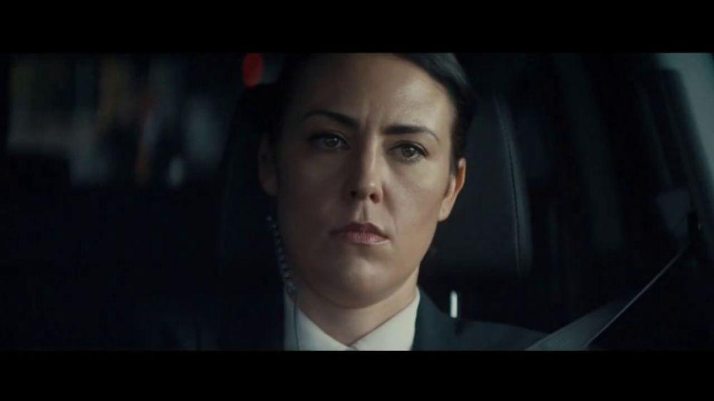 2020 Volkswagen Passat TV Commercial, 'Motorcade Driver' Song by Yeah Yeah Yeahs [T1]
