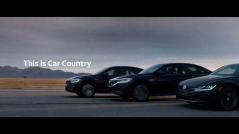 2020 Volkswagen Passat TV Spot, 'Motorcade Driver' Song by Yeah Yeah Yeahs [T1] - Thumbnail 10