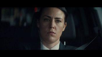 2020 Volkswagen Passat TV Spot, 'Motorcade Driver' Song by Yeah Yeah Yeahs [T1]