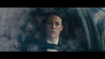 2020 Volkswagen Passat TV Spot, 'Motorcade Driver' Song by Yeah Yeah Yeahs [T1] - Thumbnail 4