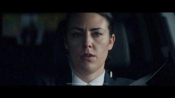 2020 Volkswagen Passat TV Spot, 'Motorcade Driver' Song by Yeah Yeah Yeahs [T1] - Thumbnail 6
