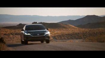 2020 Volkswagen Passat TV Spot, 'Motorcade Driver' Song by Yeah Yeah Yeahs [T1] - Thumbnail 9
