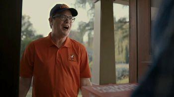 Little Caesars Pizza Super Bowl 2020 TV Spot, 'Best Thing Since Sliced Bread' Featuring Rainn Wilson - Thumbnail 10