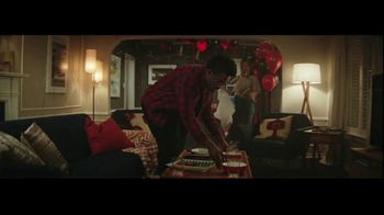 Verizon Super Bowl 2020 TV Spot, 'One More Sunday' Featuring Eli Manning - Thumbnail 4