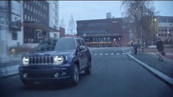 Jeep TV Spot, 'Roads Are Bad out There: Rain' Song by Sam Tinnesz [T1] - Thumbnail 6