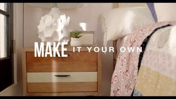 Rooms to Go TV Spot, 'Add Some Color to Your World' Featuring Julianne Hough - Thumbnail 7