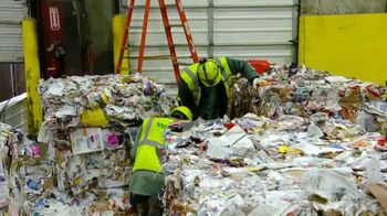 Waste Management TV Spot, 'PGA Tour: Recycle the Right Way' - Thumbnail 3