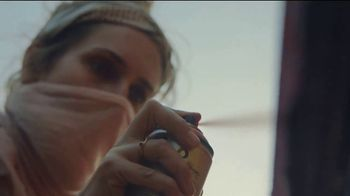 American Express Delta SkyMiles Platinum Card TV Spot, 'For the Status of You: Super Cool Mom' - Thumbnail 6