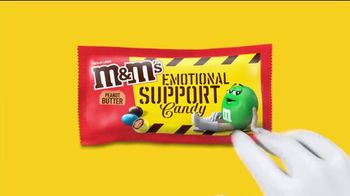 M&M's TV Spot, 'The Oscars: Emotional Support Candy' - Thumbnail 3