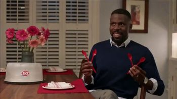 Dairy Queen TreatHeart Cakes TV Spot, 'Valentine's Day: A Lot of Work' - Thumbnail 7